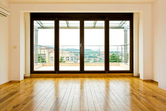 Saiba como envernizar madeiras de móveis e pisos